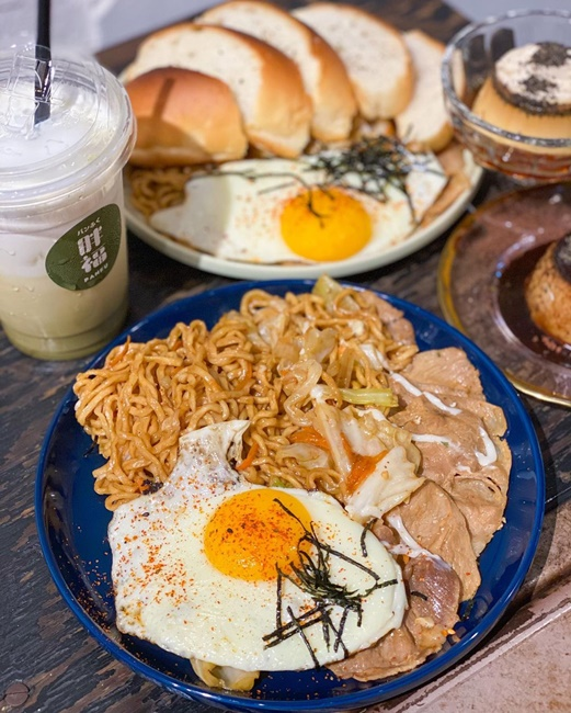 【台南美食】台南赤崁樓旁的好吃炒麵! 胖福panfu!